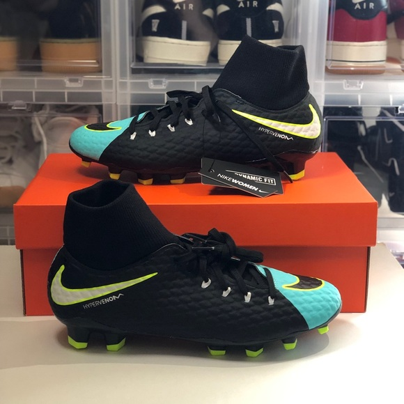 competitive price 006b5 f0203 Women's Nike Hypervenom Phelon 3 Soccer Cleats NWT